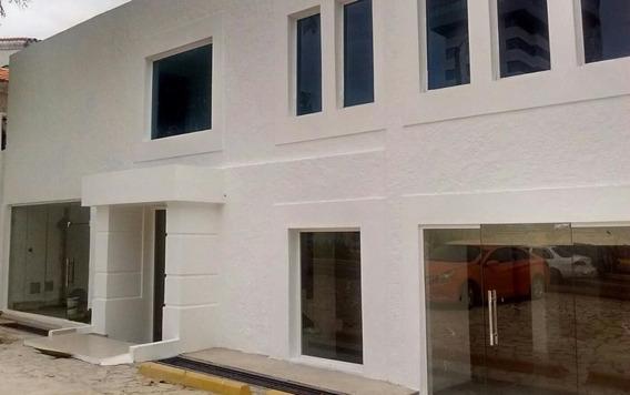 Se Vende Edificio Moderno De 2niveles Con Divisiones Internas En La Julia