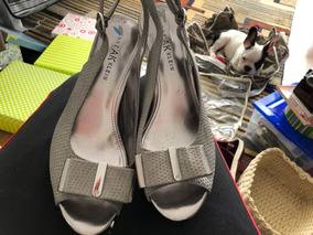 Zapatos Bellos , Grises Y Plateados Pero Tipo Plomo !!!