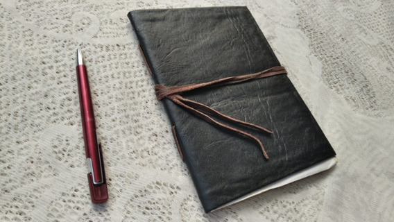 Caderno Estilo Harry Potter Preto Folhas Antigas 100 Pág