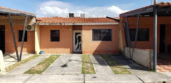 Casa En Venta Aguasay San Diego Mg