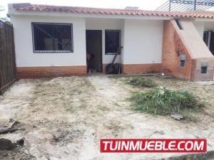Casas En Venta La Cumaca San Diego Carabobo 19-14612 Yala