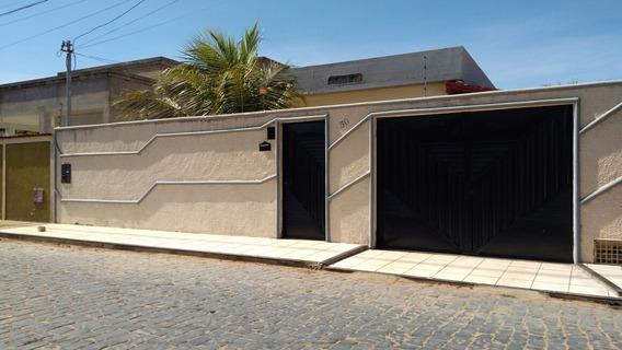 Casa Com 3 Quartos, 2 Salas , 2 Áreas, Garagem Para 4 Carros