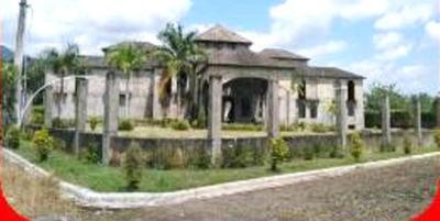 Vendo Edificio 2 Niveles Con 4,606 Mts.2 Terreno En Bonao
