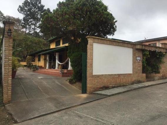 Espectacular Casa Al Estilo Colonial En Zona Montanosa