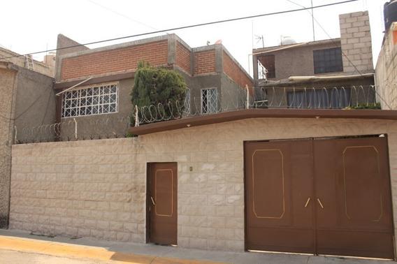 Preciosa Y Amplia Casa De 4 Recámaras Ubicada Cerca Al Circuito Mexiquense
