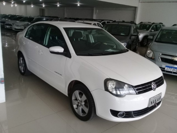 Volkswagen Polo Sedan 1.6 Comfortline Flex