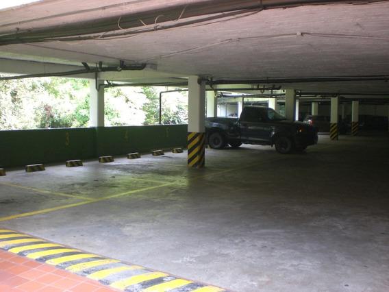 Parqueadero 1 Vehiculo El Poblado Medellin