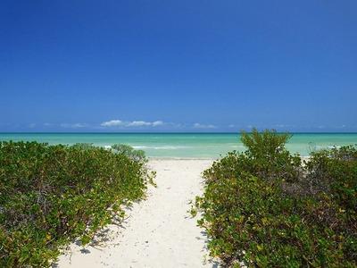 Terreno Con Playa En Uvero Alto