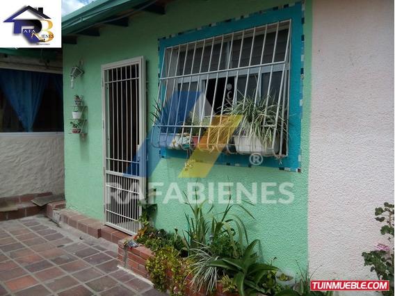 Casas En Venta, La Pedregosa