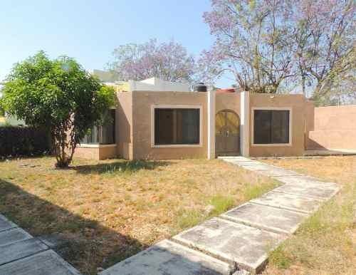 Venta De Casa En Condominio, Lomas De Cuernavaca, Temixco, Mor...clave 3087
