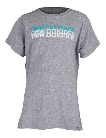 Remera New Balance Fade Essentials Niña Gris Melange Rcmdr