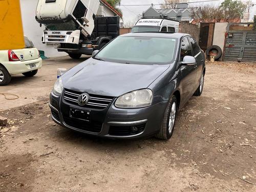 Imagen 1 de 6 de Volkswagen Vento 1.9 I Advance 2010