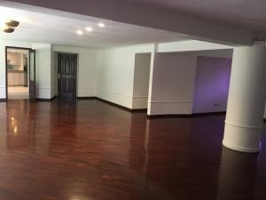 Alquiler De Amplio Apartamento En San Román / Ac 20-7873