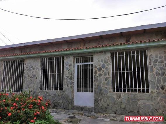 Casa En Venta En Paraparal, Los Guayos 19-11955 Em