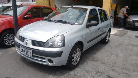 Clio 1.0 8v Authentique 5p - 2004
