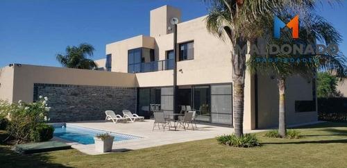 Imagen 1 de 8 de Casa En Chacras De La Villa