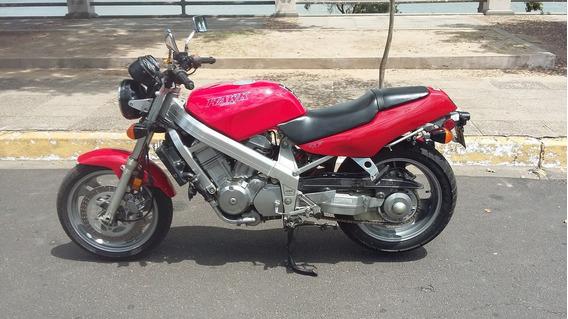 Honda Hawk 647