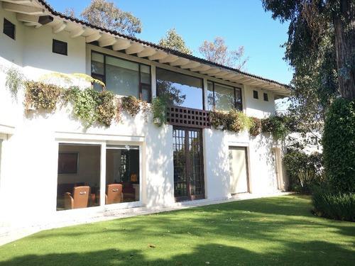 Hermosa Residencia Boscosa En Fraccionamiento Cerrado En Venta