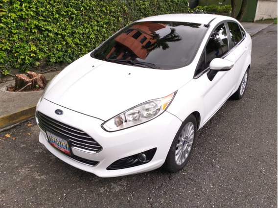 Ford Fiesta Titanium, Automatico, 59.200 Km, Impecable