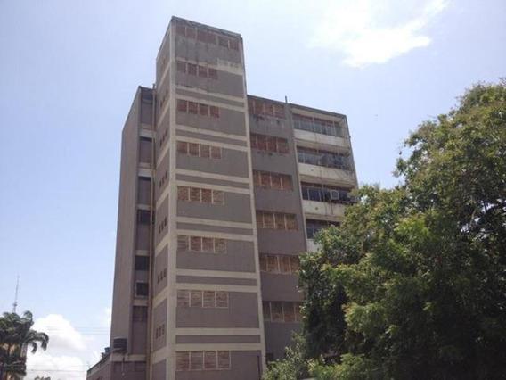 Oficinas En Venta Zona Centro Barquisimeto 21-11304 J&m