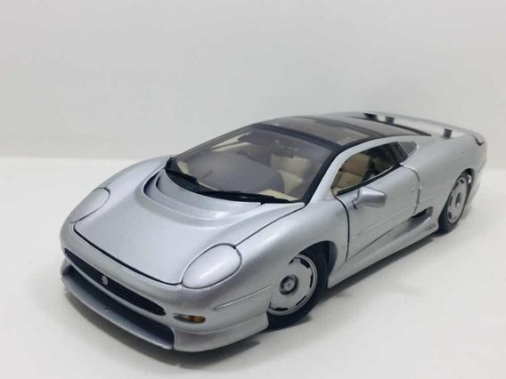 Miniatura Jaguar Xj220 Prata Maisto 1/18