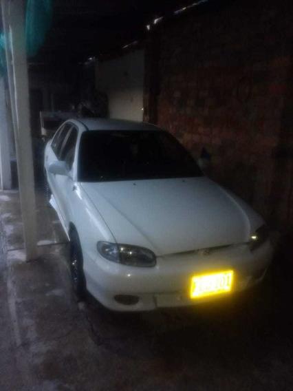 Hyundai Accent Color Blanco Año 1998