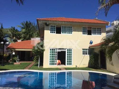Residencia En Venta En Frac. El Estero, Boca Del Rio. Veracruz