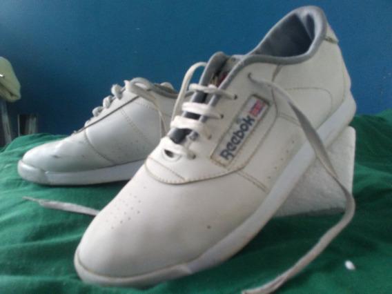 Zapatos Deportivos Marca Reebok.talla 36 Color Blanco