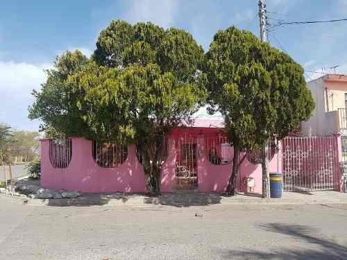 355118-casa En Venta En Col. Celestino Gasza En Escobedo Nuevo Leon