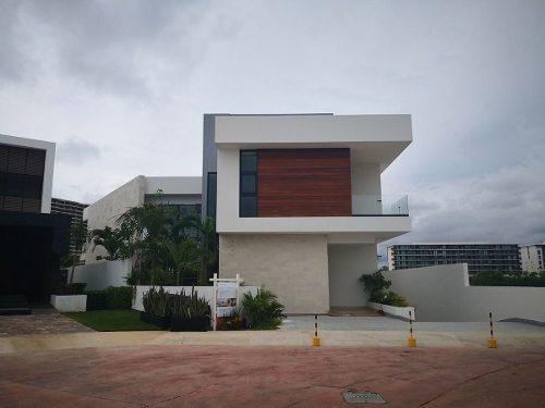 Casa En Venta En Cancun, Puerto Cancun