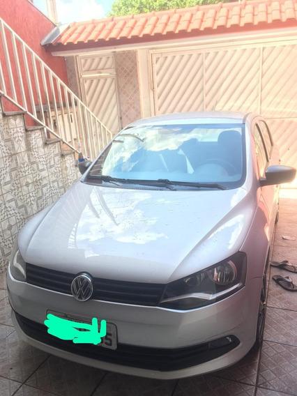Volkswagen Voyage 2015- Baixa Km Em Otimo Estado