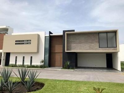 Casa Sola En Venta Fracc. Lomas Del Sol