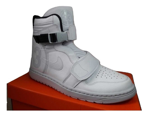 Tênis Nike Air Jordan 1 Moto