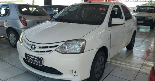 Toyota Etios X Sedã 1.5 2016 (perfil-uber)