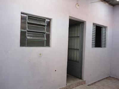 Casa Nos Fundos Independente, Piso Frio E Quintal. Ca1012