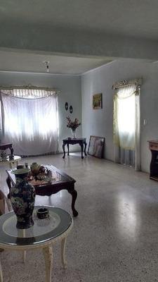 Se Vende Casa En El Centro Histórico De Qro.