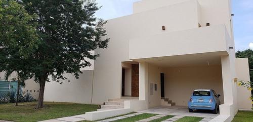 Casa Super Amplia En Lagos Del Sol Cancun