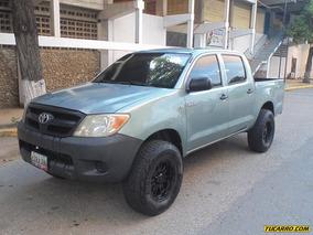 Toyota Hilux Doble Cabina 4x4 - Sincronico