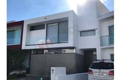 Casa Residencial En Venta, Juriquilla