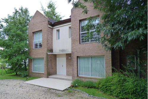 Casa Venta 4 Dormitorios , 4 Baños Y Piscina -370 Mts 2 Cubiertos- Grand Bell