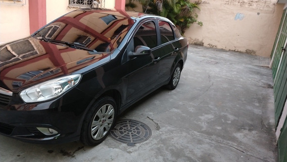 Fiat Grand Siena 1.4 Tetrafuel 4p Tetra-combustible 2013