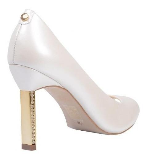 O Sapato Da Marca Jorge Bischoff De Modelo Peep Toe