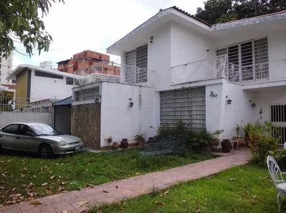 Se Vende Hermosa Quinta, Ubicada En La Soledad 04128921943