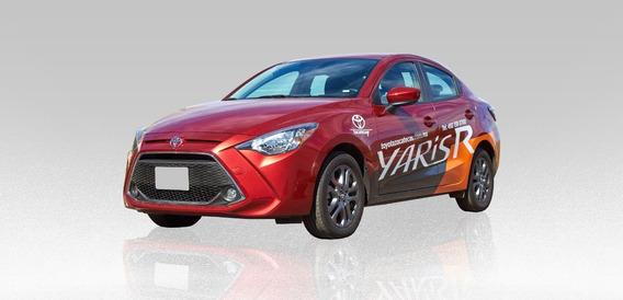 Toyota Yaris R Xle 1.5l 2020 Rojo 4 Puertas
