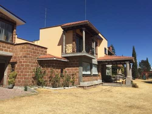 Hermosa Casa Estilo Mexicano En Venta Ubicada En Atlihuetzia!