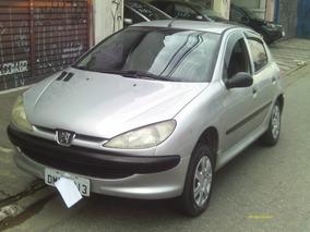 Peugeot 206 Prata 2004 + Couro $ 3.900,0 + 36 X 549,00