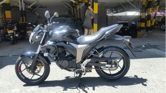 Suzuki Gixxer Modelo 2016 Motor 150 Negra