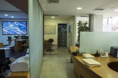 Vendo Local Para Oficina En Piantini, Winston Churchill