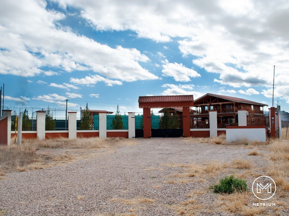 Casa De Campo En Venta En Villa Los Nogales Con Cancha De Te