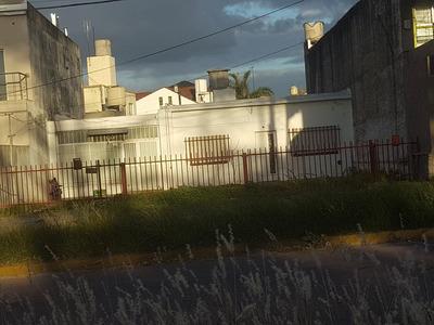 Alquilo Casa De 3 Ambientes Con Cochera Y Patio En Martin Coronado F: 5621